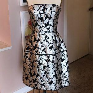 Oscar de la Renta Strapless Brocade Dress